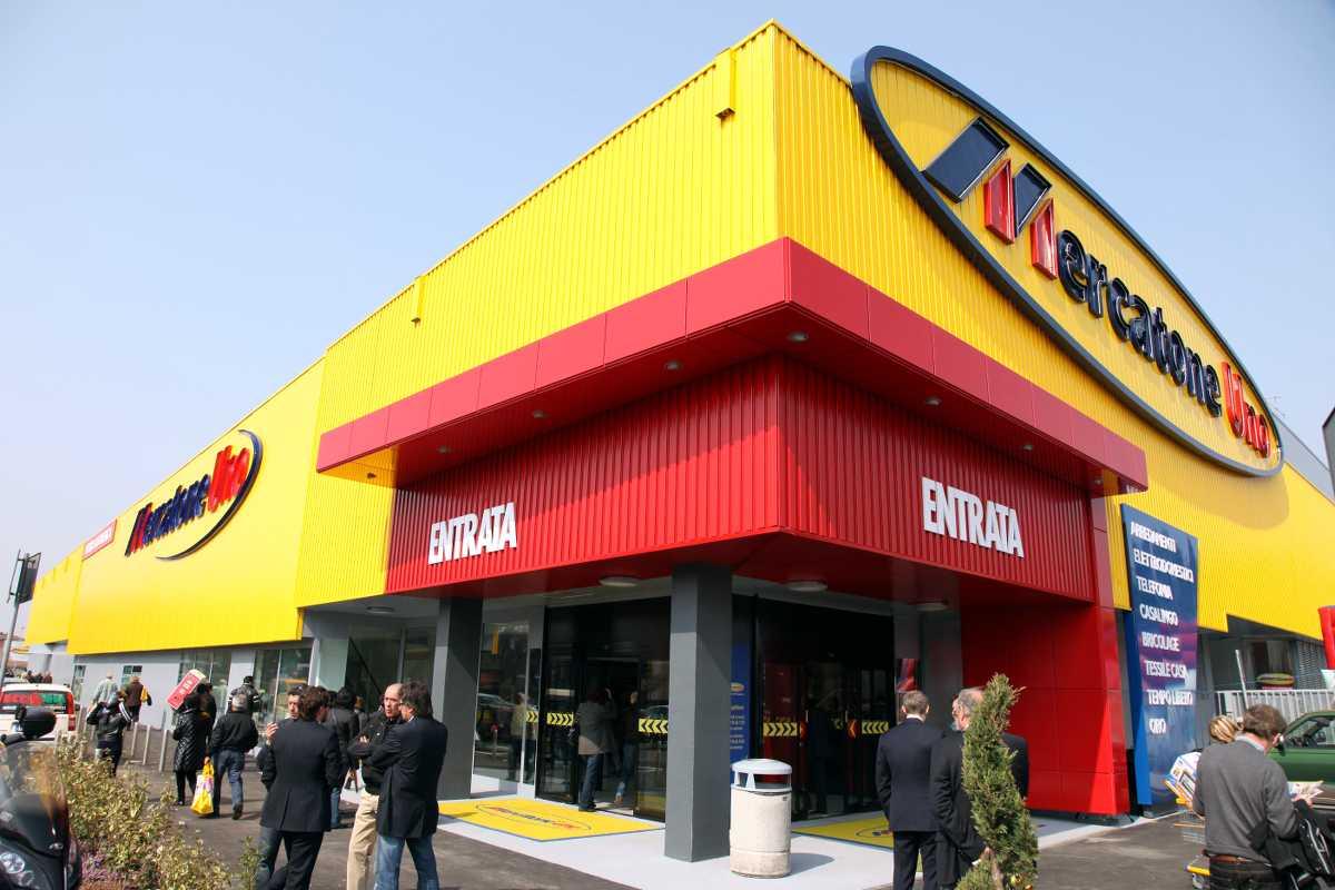 Mercatone uno riaprono 5 punti vendita uiltucs for Mercatone uno lampadari ventilatori