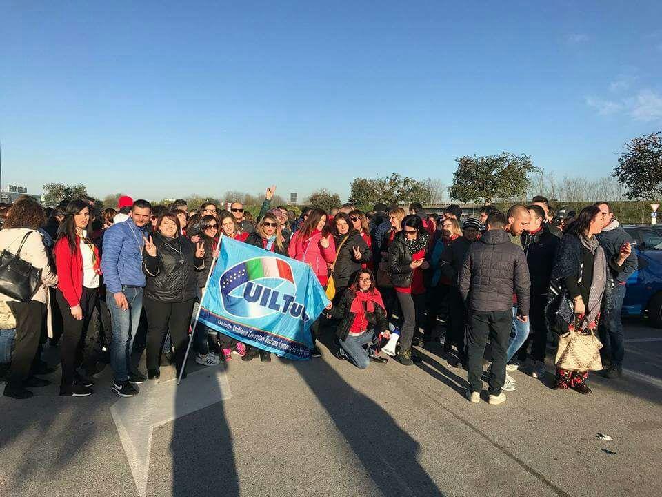 Vertenza Auchan si intorbidisce: i sindacati nazionali proclamano lo stato di agitazione