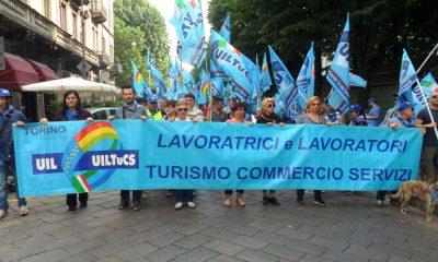 Fiaccolata contro la crisi, la UILTuCS in piazza a Torino