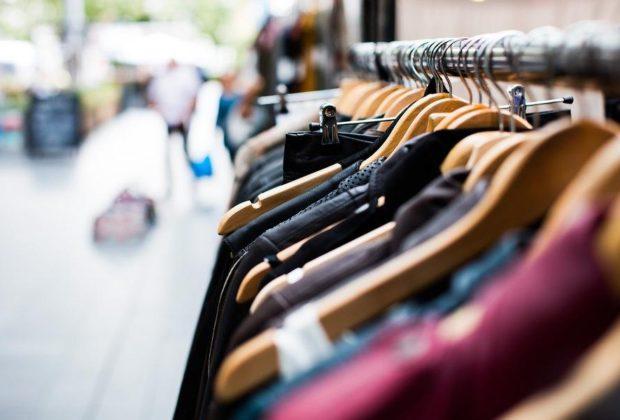 """Lettera alle aziende di abbigliamento: """"Non intervenire unilateralmente su retribuzioni"""""""