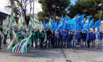 Esuberi Chef Express, lavoratori in protesta invadono Roma Termini